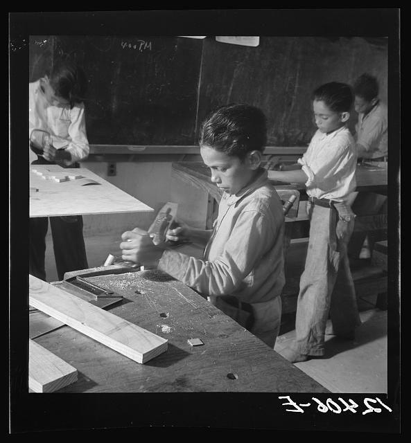 Class in carpentry. La Plata project, Puerto Rico
