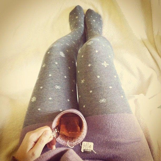 3 DIC: vestiti caldi e comodi.  Inverno e tè. Cosa c\'è di meglio?