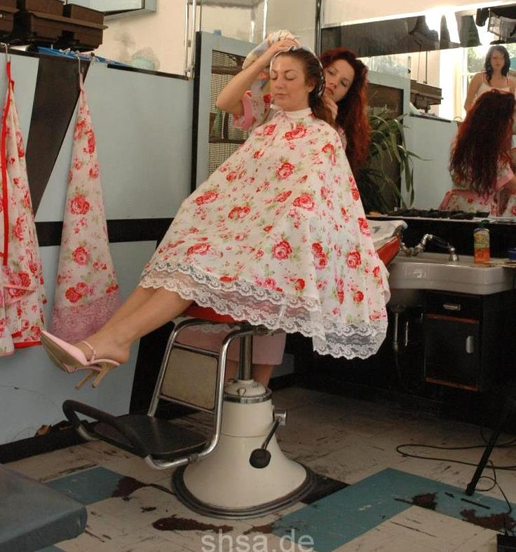 Lovely floral cape  Salon capes  Hair cuts Hairdresser