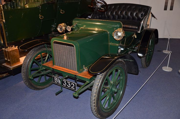 1904 open 2-seater at Coventry Motor Museum