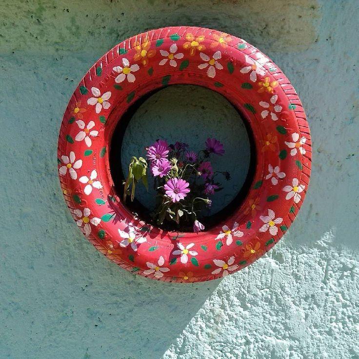 86 mejores im genes de plantas en llantas en pinterest for Decoracion de jardin con llantas
