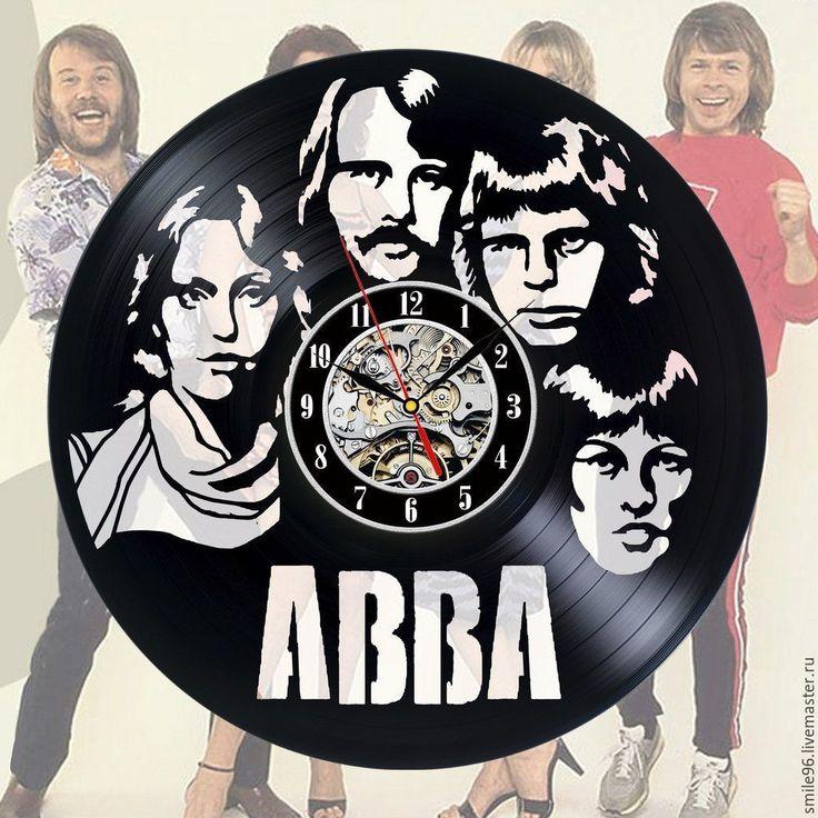 Купить или заказать Часы из пластинки 'ABBA' в интернет-магазине на Ярмарке Мастеров. Часы делаются из старых виниловых пластинок. У каждого изделия своя история, своё настроение и чтобы его передать полностью мы сохраняем родную упаковку пластинки. Каждая пластинка индивидульна, у каждой свои пошарпоности и потертости. Изделие обязательно будет отличаться от того что на фотографии, потому что это не тиражное производство, а индивидуальное изменение личности каждой пластинки…