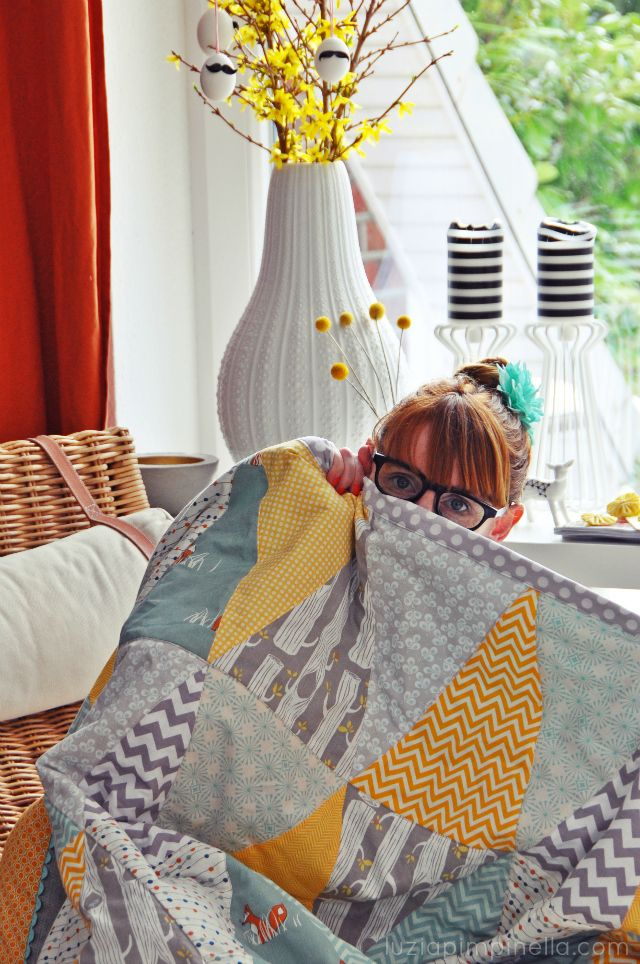 luzia pimpinella BLOG | DIY | patchwork-decke mit dreiecksmuster fertig! | triangle quilt finished!