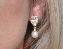 Freshwater Pearl, Gold & Crystal Earrings, Alisha | The Wedding Hair Accessory and Bridal Jewellery Experts.