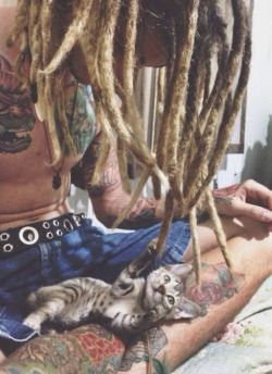 kitty cat cute hippie hipster boho indie kitten tattoos lovely tattoo boy man rasta guy pet dreads dreadlocks Gipsy