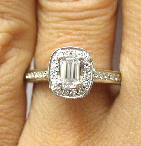 #Antique Emerald-Cut #Diamond E-Ring (1.04cts) (Credits: photo from Treasurly by Dima [etsy])