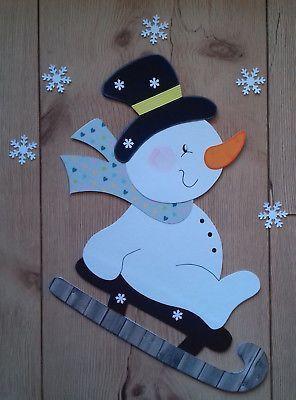 Fensterbild aus Tonkarton Schneemann mit Schlitten Weihnachten Fensterdeko