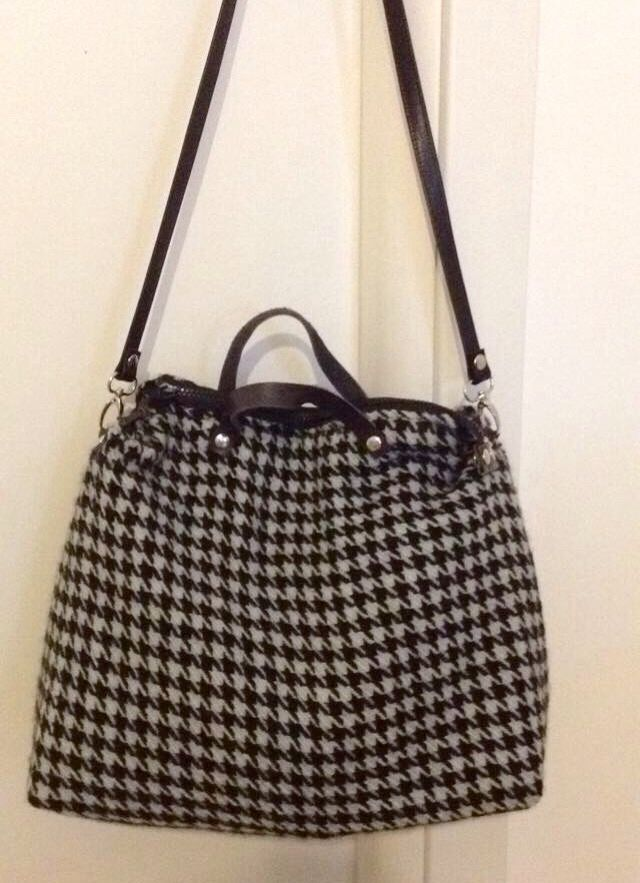 Leather and fabric bag. Pied de poule. Hand Made in Italy.