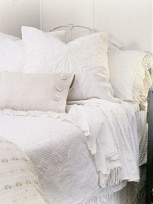 1000 ideas about vintage white bedroom on pinterest. Black Bedroom Furniture Sets. Home Design Ideas