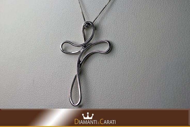 Collana Oro bianco e Croce con Diamanti