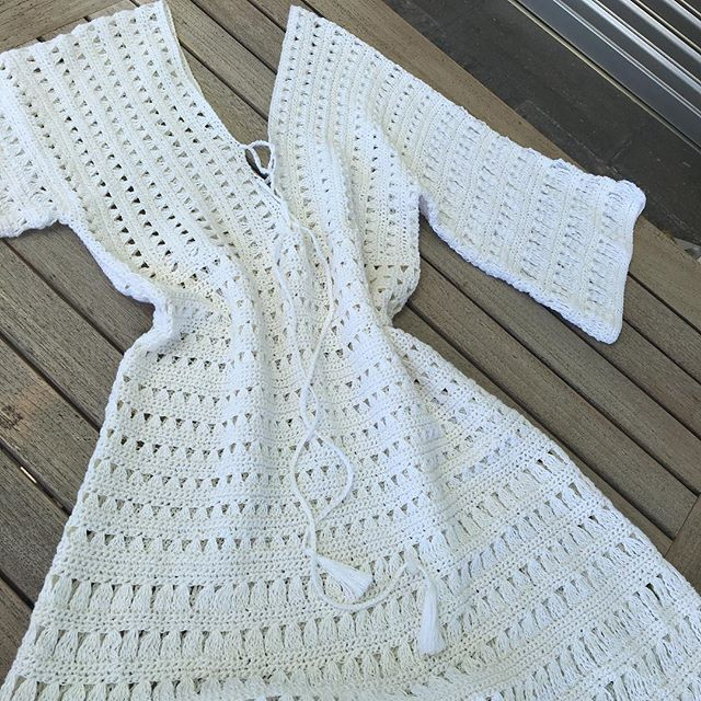 "Inspirado en la película ""sígueme el rollo"",Adam Sandler y Jennifer Aniston  Crochet#pasionporelcrochet#crochetadict#summercrochet#summerdress#Jennifferaniston#Adansandler#loveit#ganchillo#lino#linen#white"
