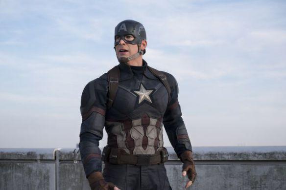 Dopo l'addio di Hugh Jackman al suo iconico ruolo di Wolverine con Logan - The Wolverine, siamo qui questa sera a parlarvi di un altro triste addio, sarà infatti Avengers 4 l'ultima volta di Chris Evans nei panni dell'eroe senza macchia, Captain America. La notizia di per se non è nuova, l'attore aveva infatti già annunciato nel 2014 di voler chiudere la sua esperienza con il Marvel Cinematic Universe dopo la conclusione del suo mega-contratto con i Marvel Studios, ma siamo q...