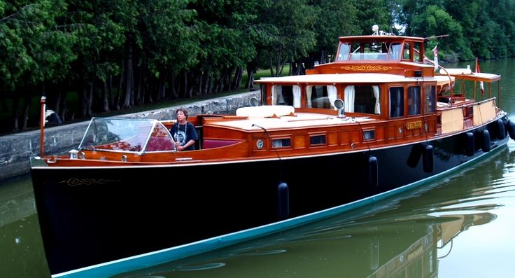 Consolidated Commuter Yacht Dolphin. Le bateau de mes rêves. SUCH A BEAUTY!