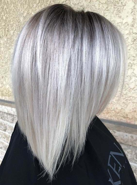 Wear the beautiful platinum blonde hair shades 2018 if you want to stand out from the whole crowd. This color is so eye-catching. See our collection of platinum blonde looks to wear in 2018. This is one of the amazing hair colors for women to show off right now for cute hair looks.
