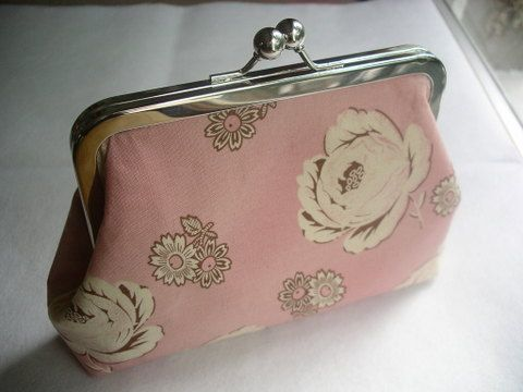 powder pink purse frame purse