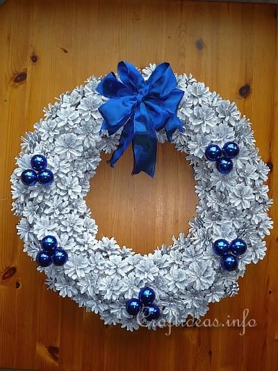 1000 Images About Pine Cone Wreaths On Pinterest