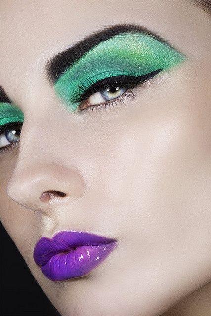glossy purple lips