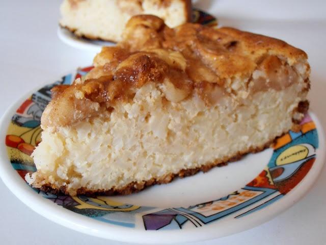 CAIETUL CU RETETE: Budinca de orez cu mere