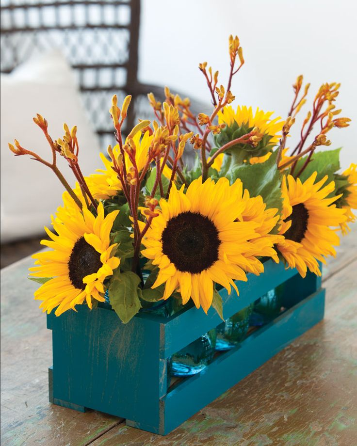 Fall Decorating with Sunflowers & the Secret to Keeping Them Fresh Sunflower centerpieces