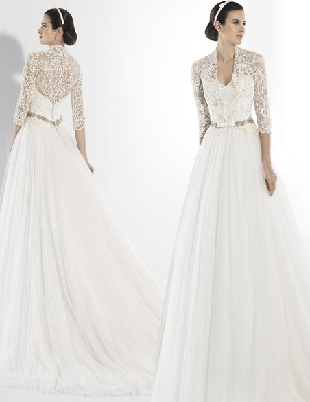 One of Kind Franc Sarabia #Wedding Dresses 2014 Collection. To see more: http://www.modwedding.com/2013/09/28/franc-sarabia-wedding-dresses-2014-collection/ #weddingdress #weddingdresses