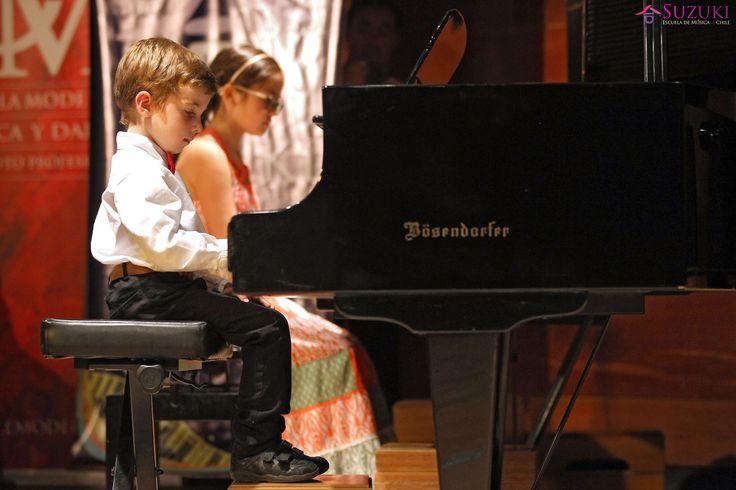 En la Escuela Moderna de Musica se realizó el Concierto anual 2015 de la escuela de música Suzuki. 05/12/2015 Santiago, Chile Foto: Max Montecinos