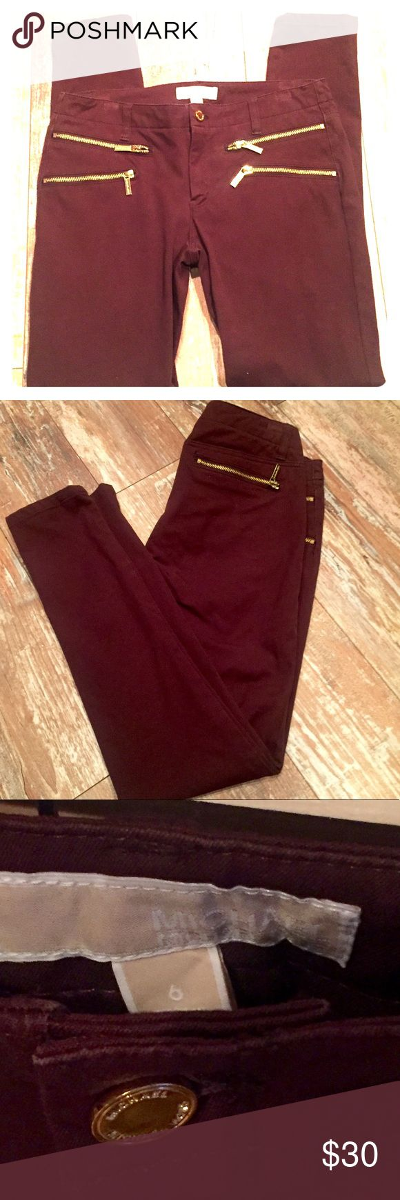 "Micheal Kors skinny leg Micheal Kors skinny leg pants. Worn one time. Too short. Thought I could pull it off but nope. The length is 30"", waist 15 1/2"", rise 8"". Very flattering to figure and stay good form Michael Kors Other"