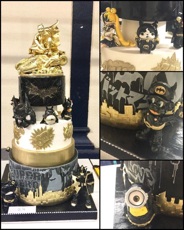 mcakesjapan「スーパーヒーローテーマ」基本は自分の好きなもの満載系💕 せっかくなので 日本の有名キャラクター様達にバットマンコスチュームを着ていただきました😄 コミカルでカッコよくを意識して見ましたよ。 #sugarparis #superherocake #gateau #sugarparis2017 #batmancake #batmanstyle #hellokity #gundam #jibanyan #totoro #mario #sailormoon #旅するケーキデコレーター #ケーキ旅行 #fromjapon #toparis #cakestagram #cakedesign