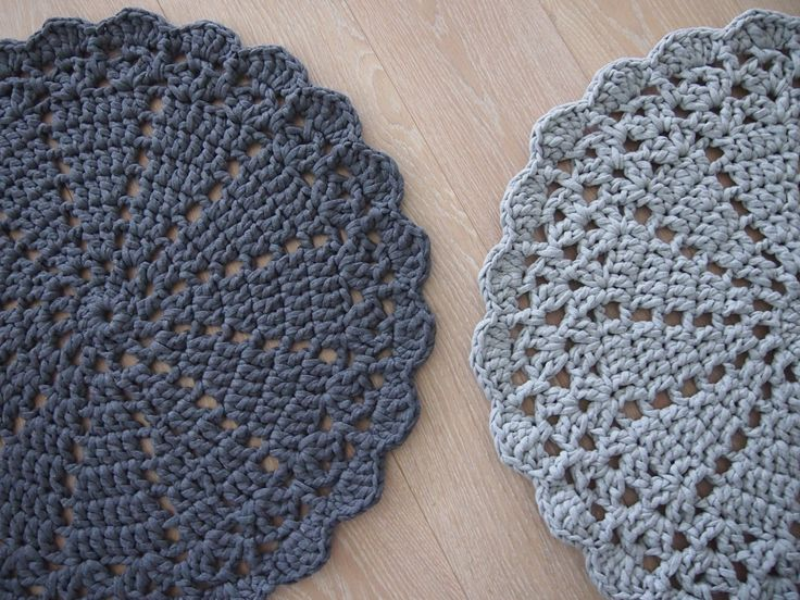 crochet carpet graphite and gray By Halla COLLECTION