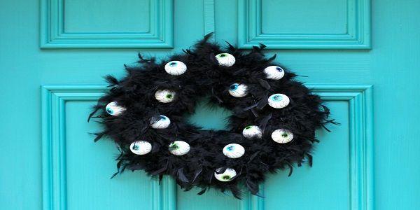 Halloween Wreath Ideas with Spooky Eyes Wreath