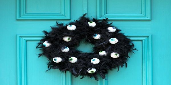 Halloween Wreath Ideas with Spooky Eyes Wreath