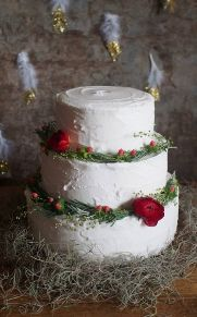 winter wedding cake. Loren Brand Cakes, St Andrews, Fife, Scotland