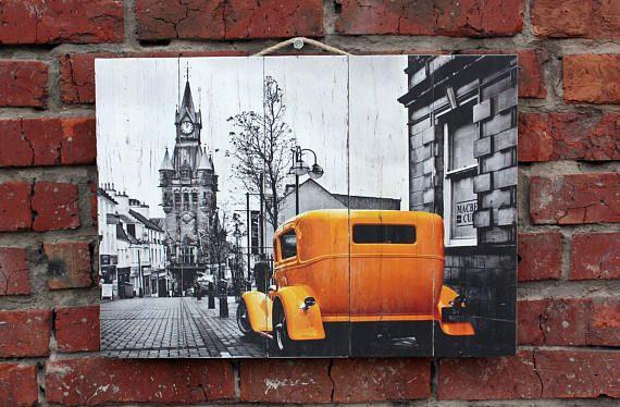 Старый город. Картина на состаренных досках. Деревянное панно.