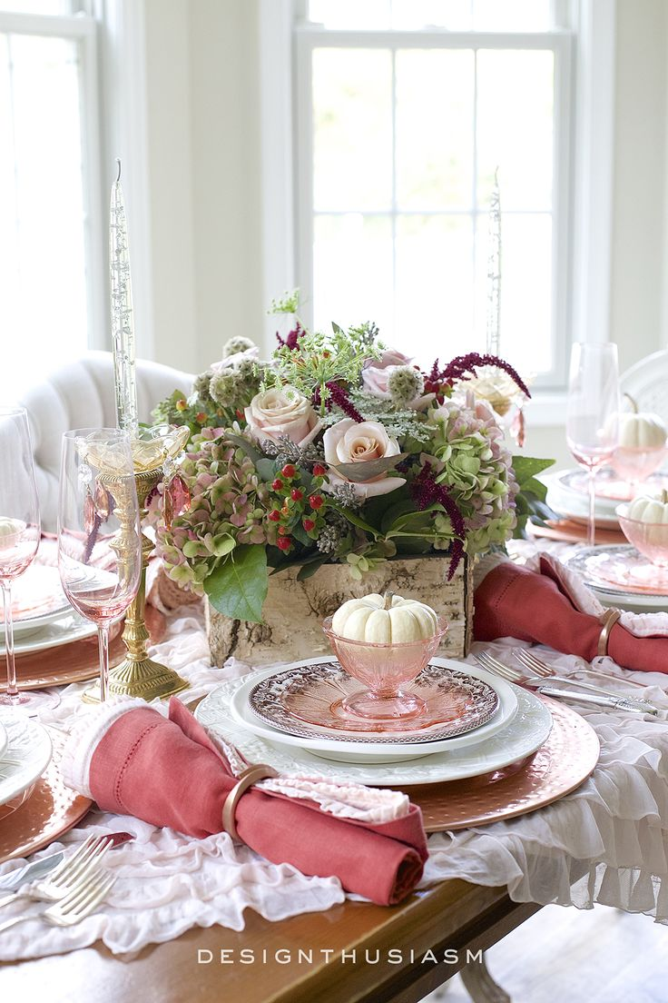 Not a fan of orange?  Here's how I used variations of orange to create a warm, romantic and inviting fall tablescape   #Designthusiasm