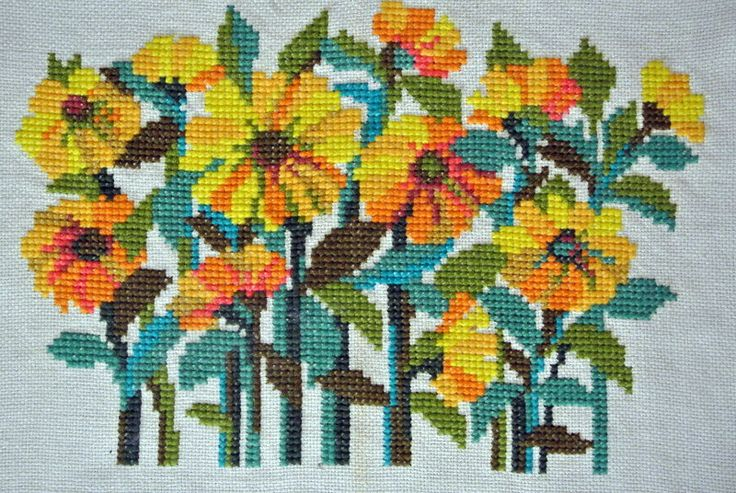 LARGE vintage 1960s HANDMADE strong multicolor wool cross-stitch wallhanging with flower motive made on thick light yellow burlap linen by NORDICARTCURIOSITY on Etsy