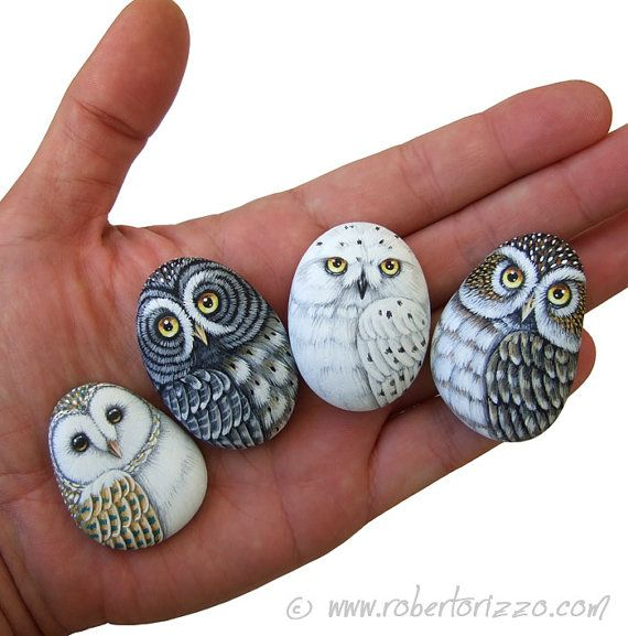 Rock Painted Owls In Love Unique 3-D Paintings por RobertoRizzoArt