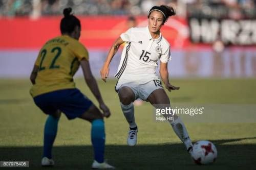 07-04 SANDHAUSEN, GERMANY - JULY 04: Sara Doorsoun ® of... #paz: 07-04 SANDHAUSEN, GERMANY - JULY 04: Sara Doorsoun ® of Germany and… #paz