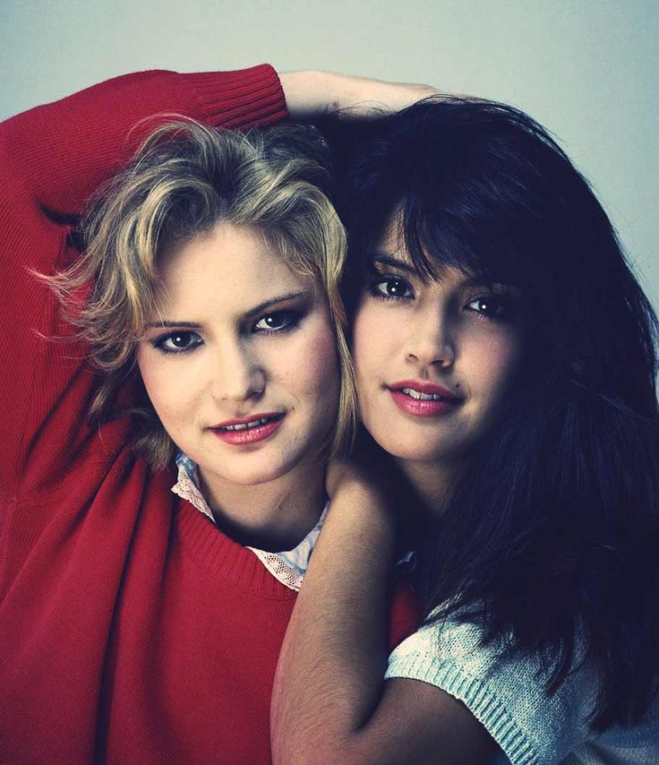 Jennifer Jason Leigh & Phoebe Cates