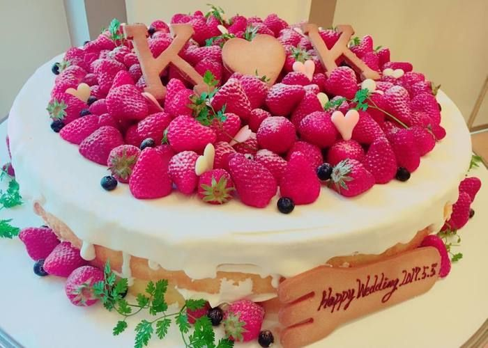 お洒落で可愛いネイキッドケーキのデザインまとめ ウェディングケーキ