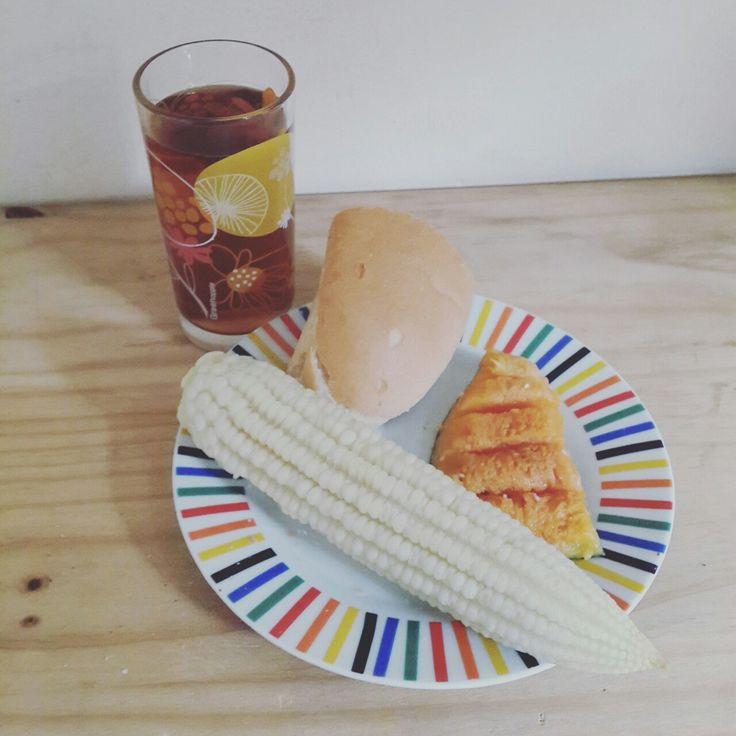 Meu pequeno almoço. Milho, Abóbora, Pão, Chá De Bulukutú. Uma alimentação saudável. Made in #Angola.