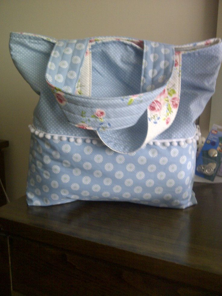 reversible tote, gutermann ring a roses fabric, for create and craft TV show