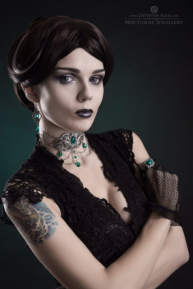 Gothic Metal Choker - Silver Filigree Choker with Green Stones and Crystals - Gothic Jewelry by NocturneHandcrafts on Etsy https://www.etsy.com/listing/218172583/gothic-metal-choker-silver-filigree