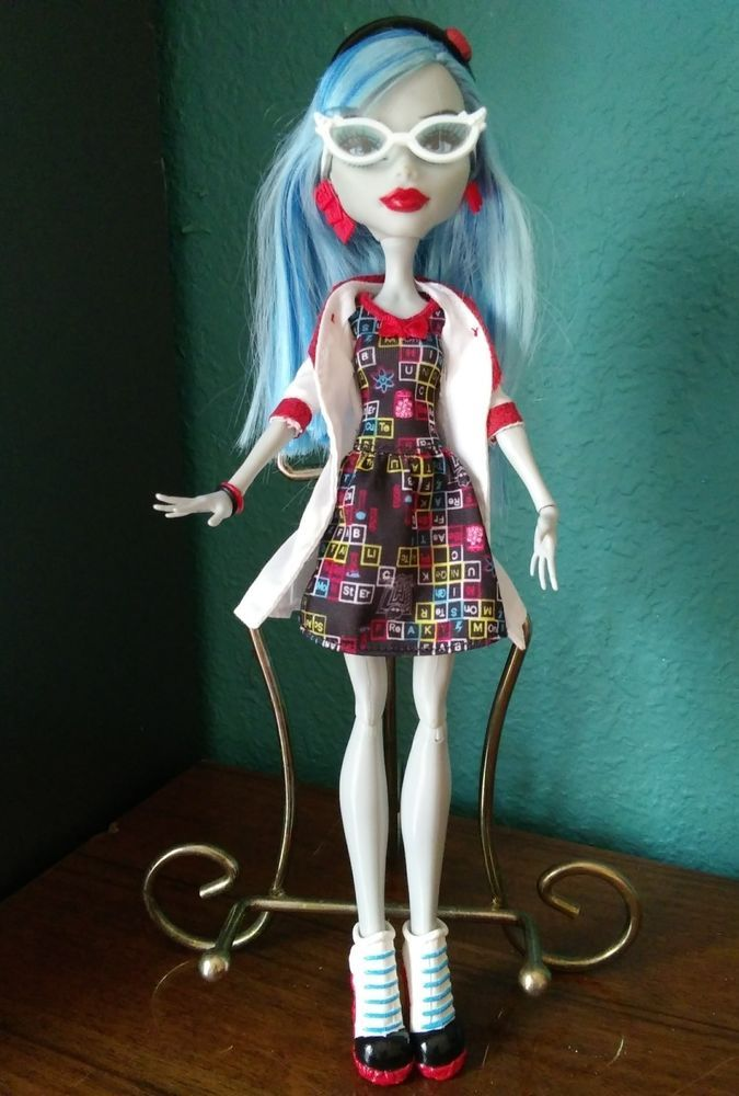 63b1b4b4d149 Ghoulia Yelps Mad Science Lab Partner Monster High Doll  Mattel