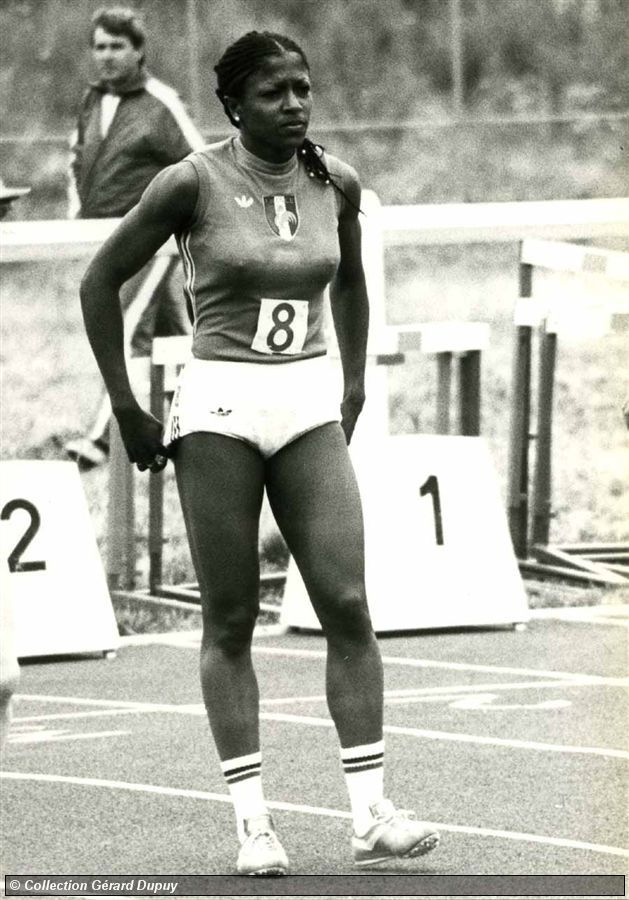 Chantal Rega 7 agosto 1955 Nimes, Francia  Marca 100m - 11.15 (Villeneuve d'Ascq, 1976) Marca 200m - 22.72 (Les Abymes, 1981) Marca 100m Haies - 13.3 (Niza, 1974) Marca 400m Haies - 54.93 (Atenas, 1982)