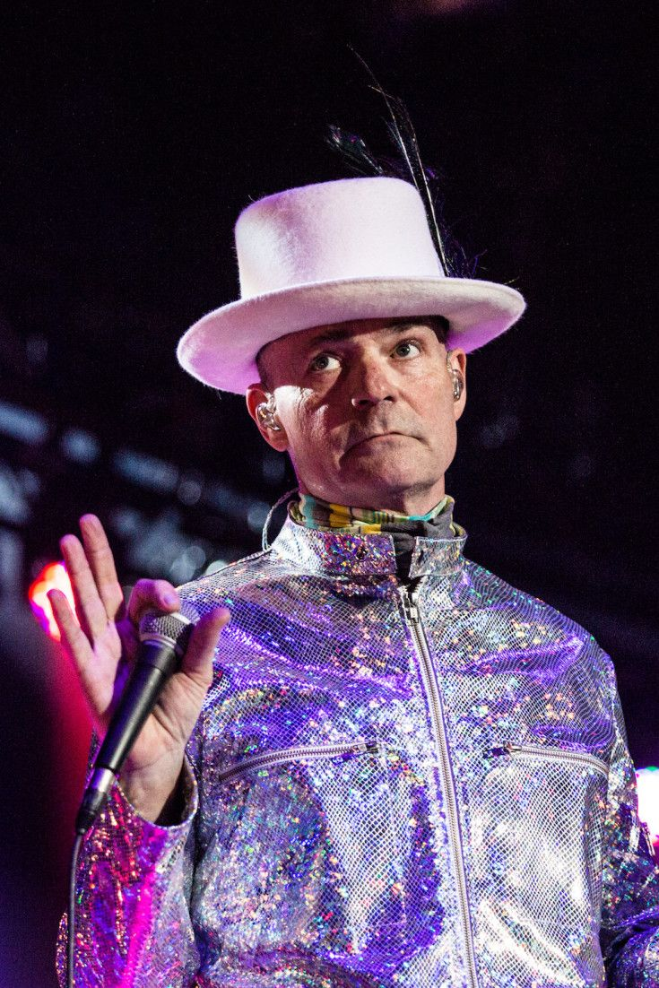 Gord Downie Uses Tragically Hip Concert To Spur Trudeau On First Nations