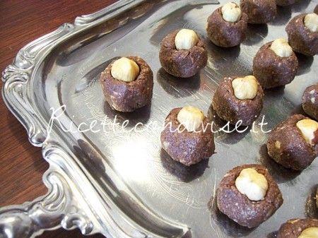 Preparazione Cioccolatini tipo Baci Perugina di Susi