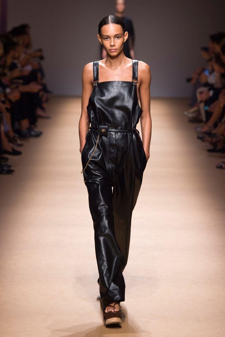 69f63e9bbab9 Salvatore Ferragamo Spring 2019 Ready-to-Wear Collection - Vogue
