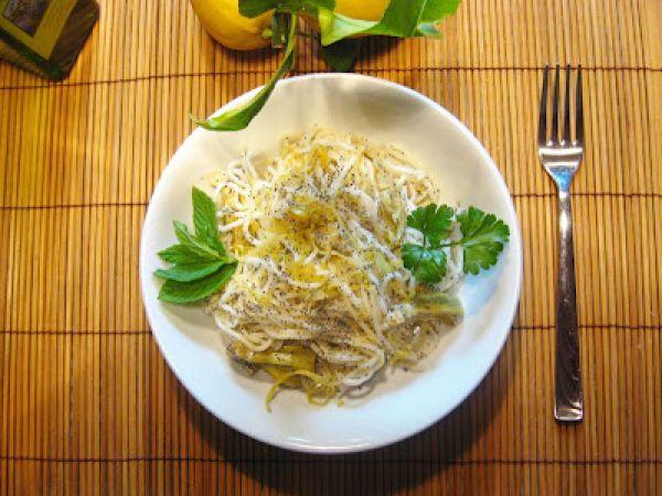 Ricetta Spaghetti ai carciofi, limone e semi di papavero, da Letissia - Petitchef
