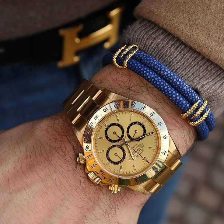 One of my favourite wristgame Daytona Yellow Gold  305-377-3335  www.diamomdclubmiam.com #casualstyle #watchoftheday #watchaddict #watchnerd #watchfam #magazine #dapperstyle #omega #gentleman #gentlemen #wristwatch #timepiece #reloj #relogio #mensfashionreview #menwithclass #mensstyle #mensfashion #exclusive  #luxurywatch #mens #menstyle #menfashion #bracelets #personalstyle #wristshots  by @b1948