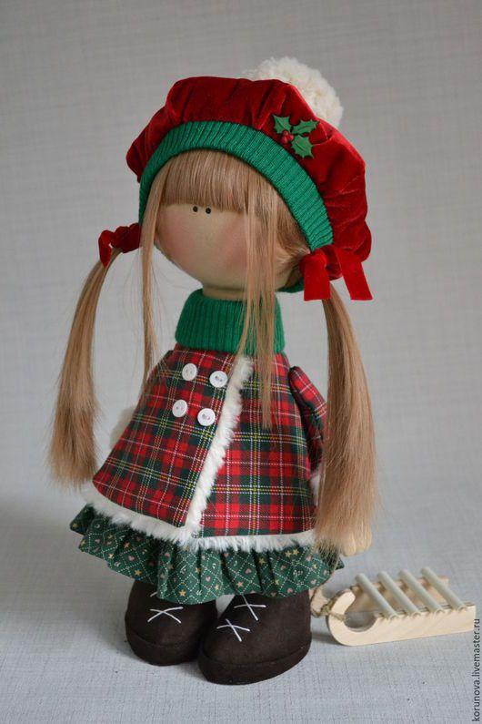 Povos artesanais.  Mestres Fair - feito à mão.  Compre boneca de Natal.  Handmade.  vermelho, inverno, 100% algodão brilhante