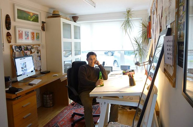 The organized space of Illustrator Peter Donnelly.